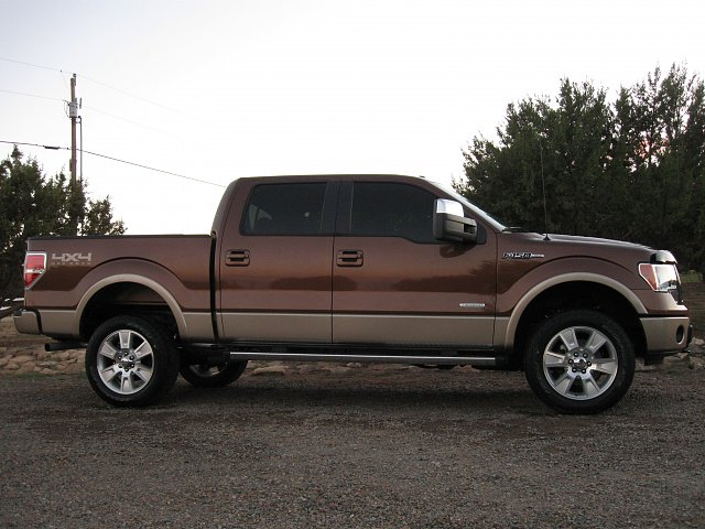 Ford 4x4 with leveling kit