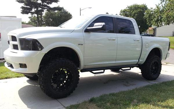 Ram 1500 Side Steps >> Smittybilt Nerf Step Bars for Dodge | 4WheelOnline.com