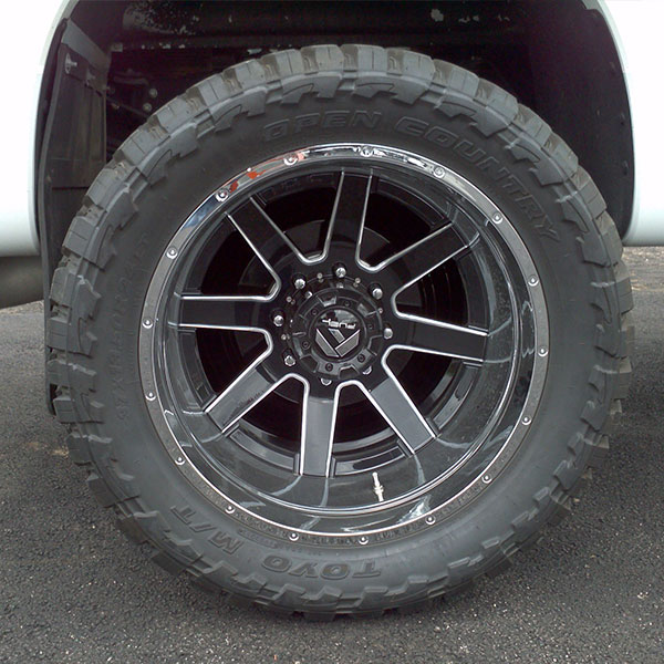 Fuel Maverick D262 Dually Rear Black Milled Wheels
